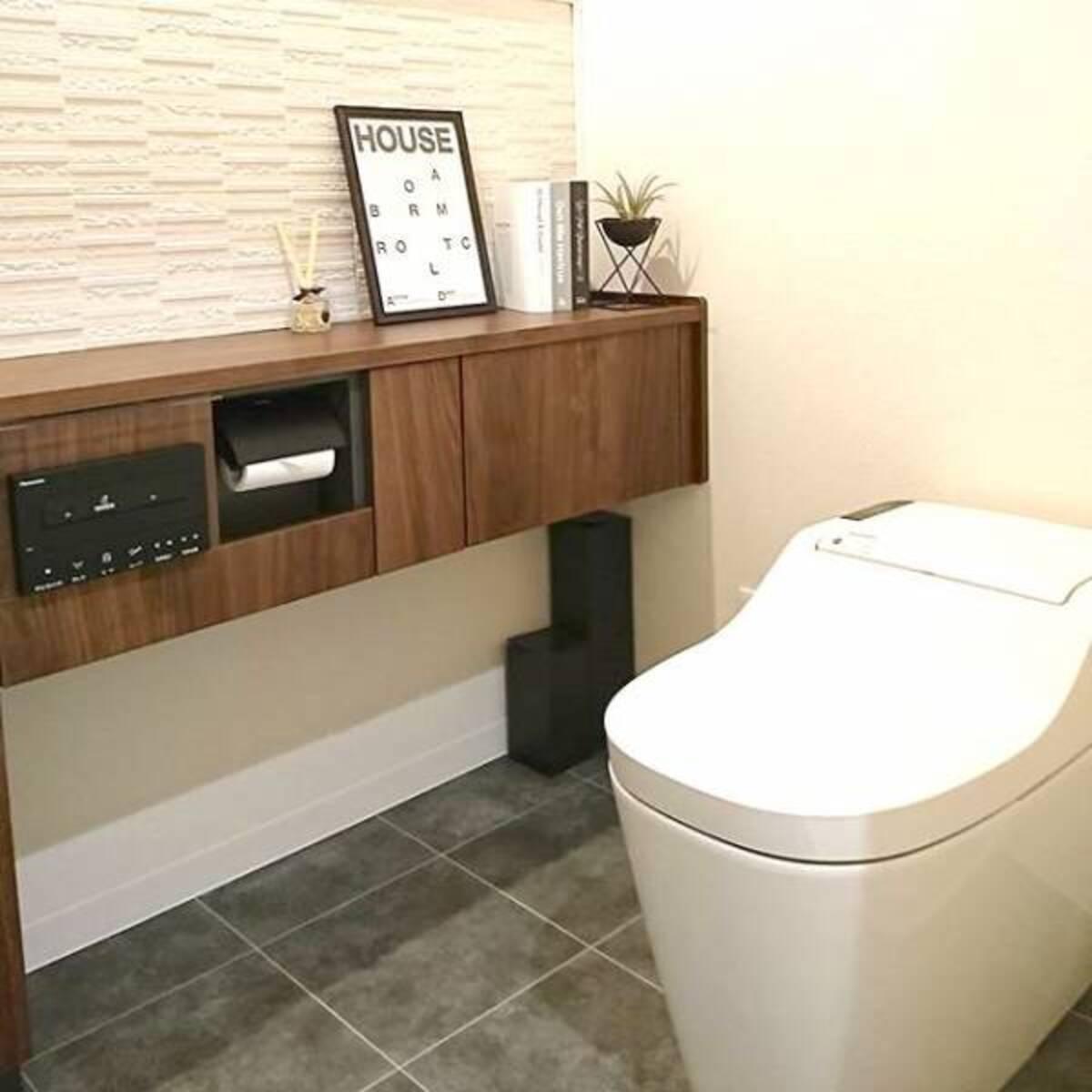 ドアを開けるとまるで別世界 狭い空間だからこそ遊べるトイレの壁紙実例集 年1月16日 ウーマンエキサイト 1 4