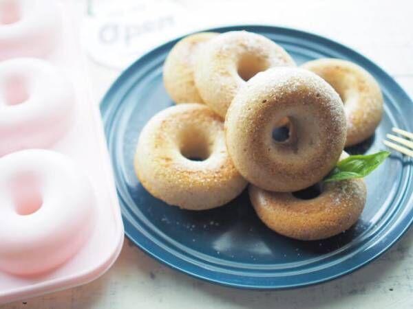 ・ダイソー「シリコーンプチケーキ型 ドーナツ」200円(税抜)5
