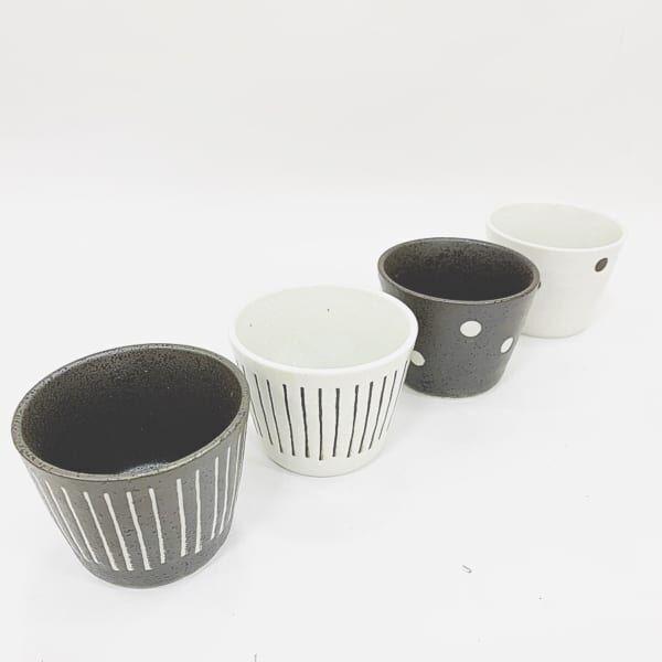 ダイソーの白黒食器3