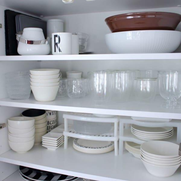 ホワイトの食器ですっきりした見た目に