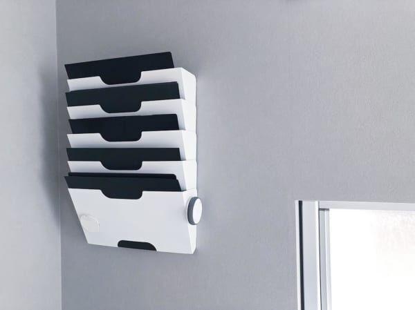 IKEAのラックで壁にかける