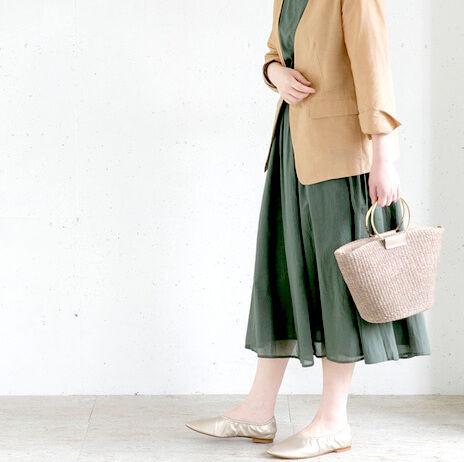 2020年最新!《春服×フラットシューズ》大人女子向けおすすめコーデ