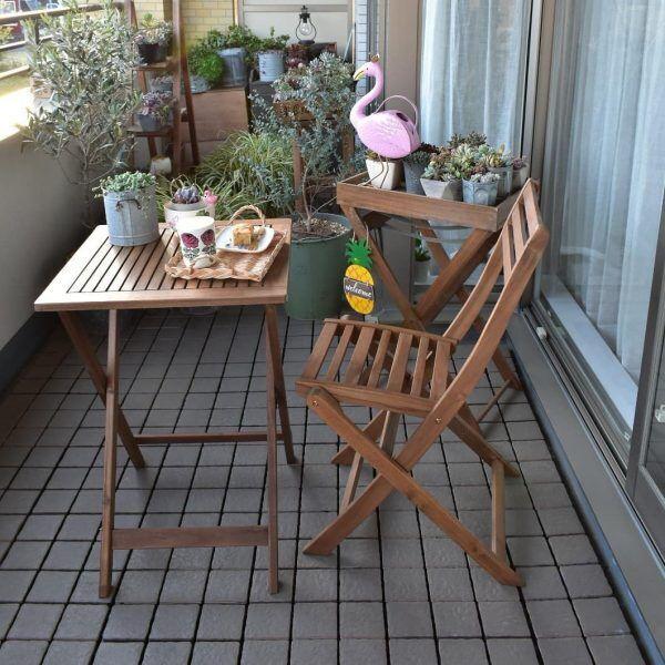 折り畳み式テーブル&チェアでカフェ風に演出
