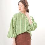 バルーン袖トップスコーデ15選♪旬のデザインでトレンドスタイル