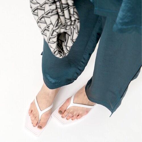 足元を涼しくリラクシーに♪大人っぽい『ビーチサンダル』の選び方&コーデ集