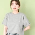 夏コーデに飽きたら「グレーTシャツ」の出番♪着こなし例15選