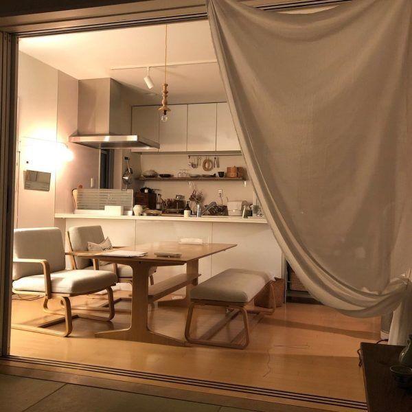 和室とダイニングは布カーテンで仕切って開放的に