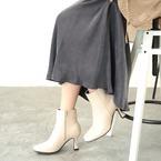レザー調ショートブーツで大人の足元に。カラー別にスタイリングをチェックしよう