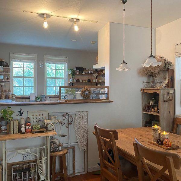 カフェ風の腰壁キッチン