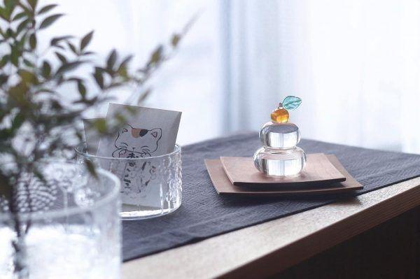 透明感が可愛いガラス製の鏡餅