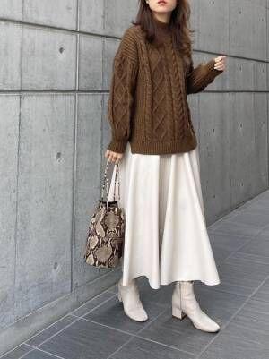 ZARAのフレアレザースカート