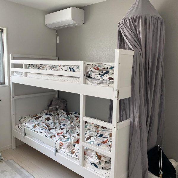 2段ベッドにキャノピー