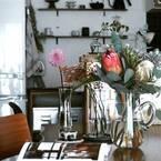 生活に花を添えよう。テーブルを華やかにするコーディネートアレンジ