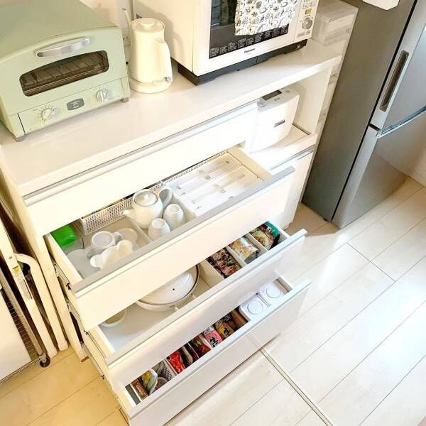 使い勝手のいいキッチンへ!カップボードの引き出し収納を見直そう