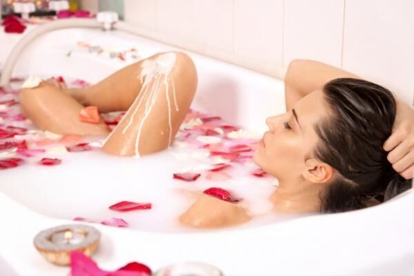 クレオパトラも毎日入ってた!? 「ミルク風呂」のつくり方と美容効果とは?