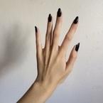 """日々、酷使している""""手""""を癒そう!「手のコリ」をほぐす方法3つ"""