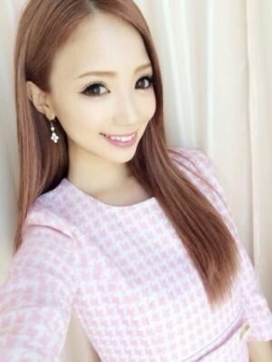 ガーリーだけど上品!人気モデル、八鍬里美ちゃんのスタイルが可愛い!