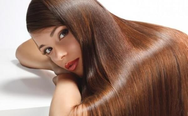 ロングヘア必見!キレイにまとめ髪をしながら超絶美髪になる方法