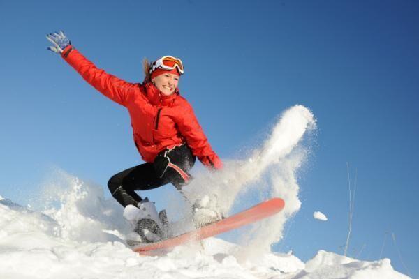 「ゲレンデマジック」雪山でも崩れない!潤いメイク