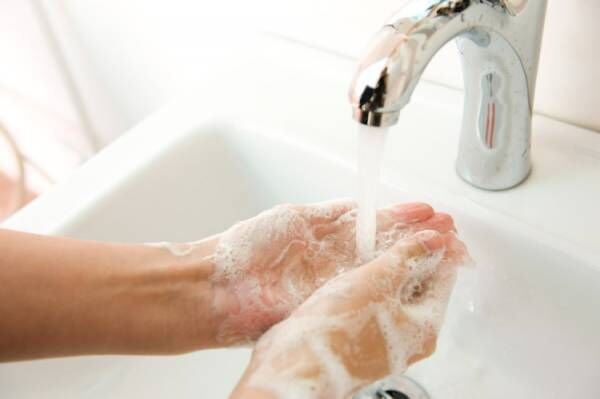 手をよく洗うと手荒れしやすい