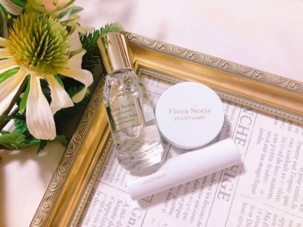 『Flora NotisJILL STUART』