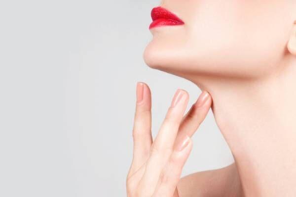 首とデコルテの日常的なケア方法