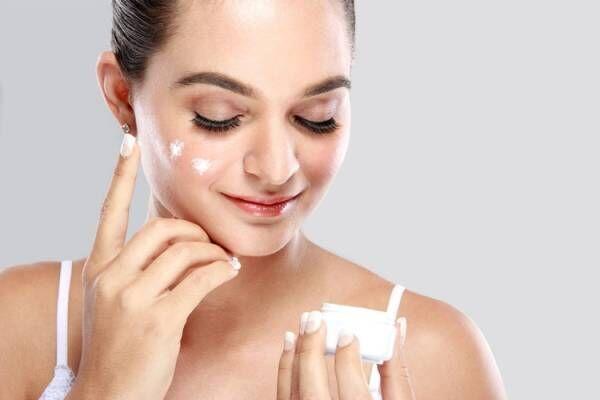 肌が乾燥するメカニズムとは?
