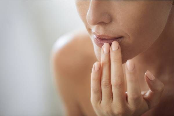 唇の乾燥はどう対処する?
