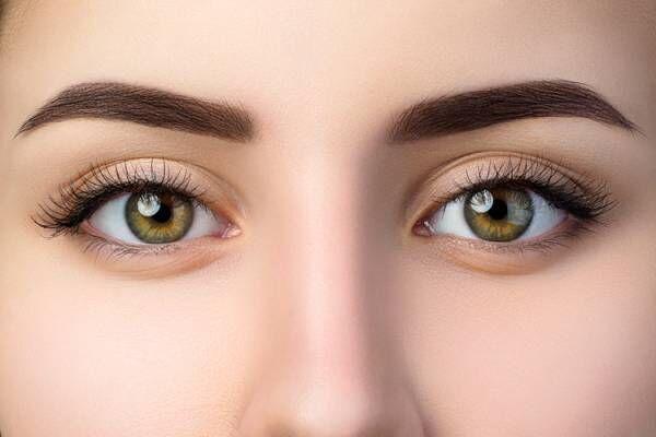 目の周りがくすみやすい原因とは