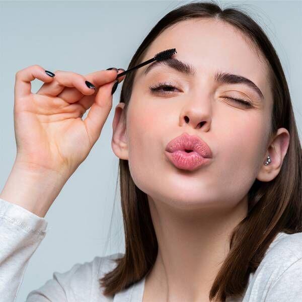 眉毛は顔の印象を大きく変える