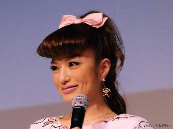 安西ひろこが美しすぎる『ヨガポーズ』を披露 外出自粛中の過ごし方に「私もがんばろう…」の声