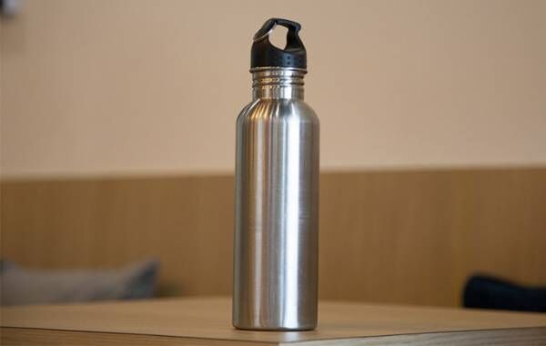 塾に持っていく水筒を発見した中3息子 外出後、母が見た衝撃の光景とは…