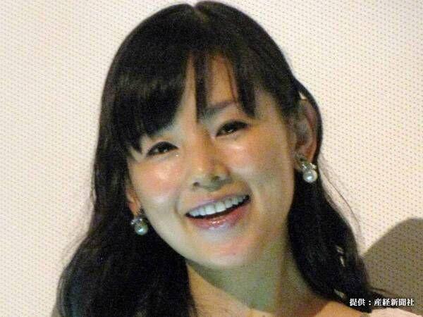 小西真奈美が『モナリザ』とツーショット どちらが美人かと比べる人が続出!