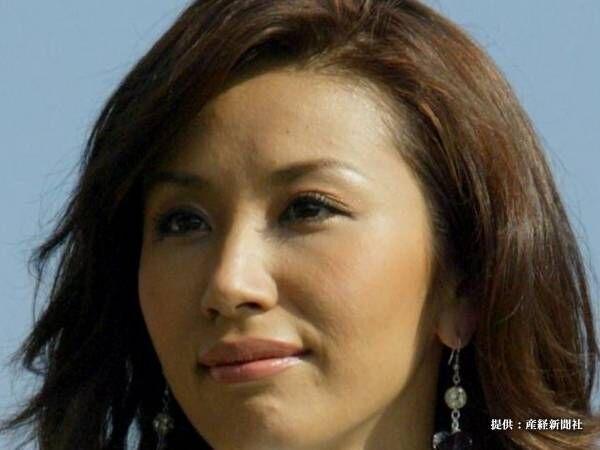 鈴木紗理奈、ヤンキー風に『夜露死苦ショット』を公開! 「なに、メンチ切ってんねん」とのツッコミも
