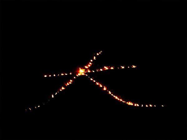 イタズラで勝手に… 深夜に浮かび上がった京都『五山送り火』の『大文字』