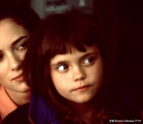 『アダムス・ファミリー』名子役クリスティーナ・リッチの現在は?映画とともに振り返る