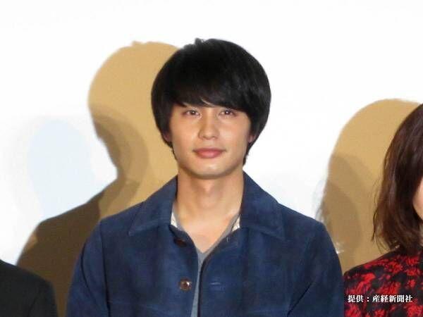 中村蒼、前髪全上げ自撮りを公開 「相変わらずイケメン…」反響続々