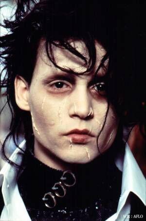 ジョニー・デップの若い頃を出演映画で振り返る 美人と話題の娘も女優として活躍中