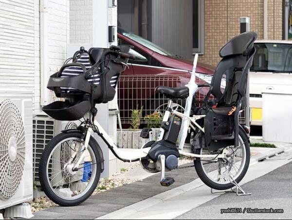 転倒した自転車を発見した女性 乗っていた親子を助けようとしたら…