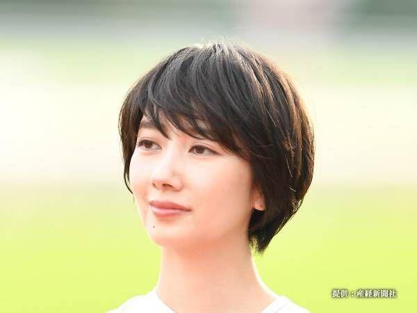 波瑠、レアなロングヘア姿を公開! ファン「本当に美人さん」「最高かよ!」