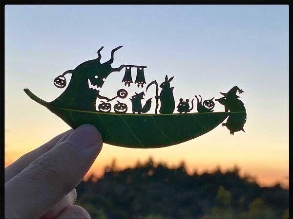 葉っぱで『ハロウィン』を表現したら…? 完成した1枚に「最高!」「すごすぎる」