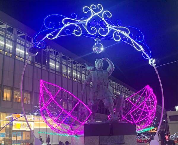 岡山駅のイルミネーションが「超絶ダサい」と話題 桃太郎の頭上にあったのは?