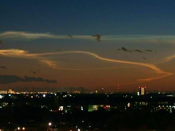 11月29日の日没直後の空に注目! ロケットの噴煙で貴重な雲が見られるかも