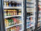 コンビニで飲み物を買おうとした男性、店主からの『貼り紙』に反響