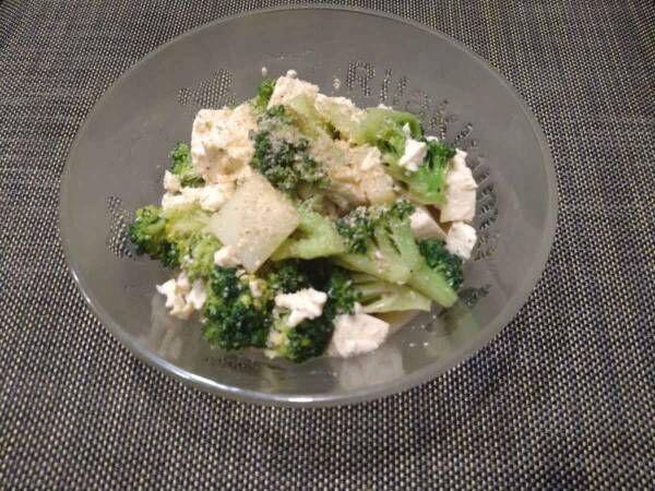 タンパク質もとれて見た目もキレイ 『くずし豆腐とブロッコリーのサラダ』のレシピをご紹介!