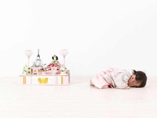 「ウエーン!」 1歳娘の『記念写真』に、14万人が癒された