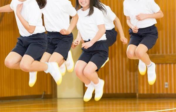 スッキリで報道された、小学校の『肌着着用禁止ルール』に批判の声続出 「意味が分からない」