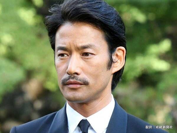 新田真剣佑が20年前の写真を披露 隣にいた竹野内豊の姿に、衝撃走る