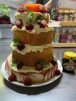 「戦々恐々とした…」 『ウマ娘』ケーキを作ったら、異次元の大きさになった