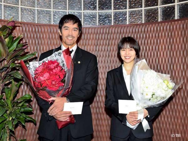 ドラゴン桜最終回! 阿部寛&長澤まさみのクランクアップに生徒たちのサプライズ